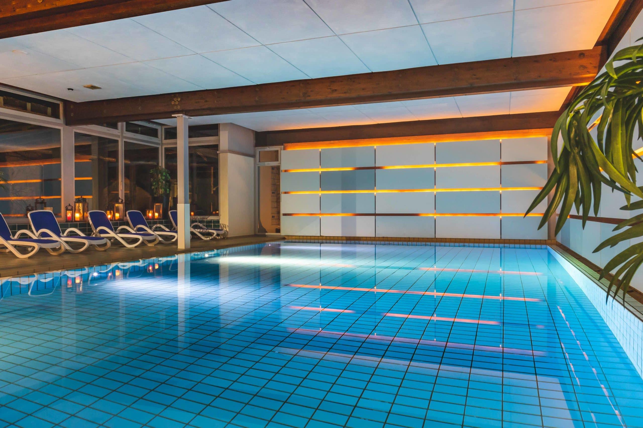 Schwimmbad im Hotel Sonnhalde