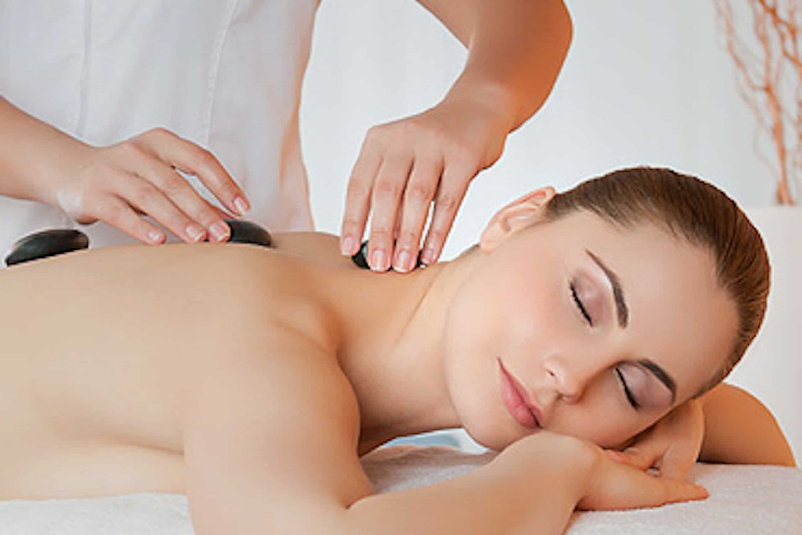 Hot Stone Massage im Hotel Sonnenhof - Sonnhalde